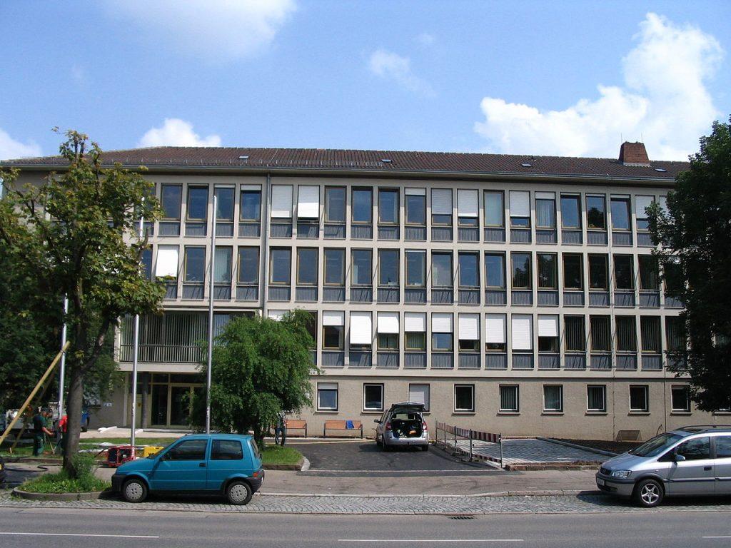 Das Gebäude des Amtsgerichts Ludwigsburg. / Stefan Frerichs / wikimedia.org / CC BY-SA 2.0 DE